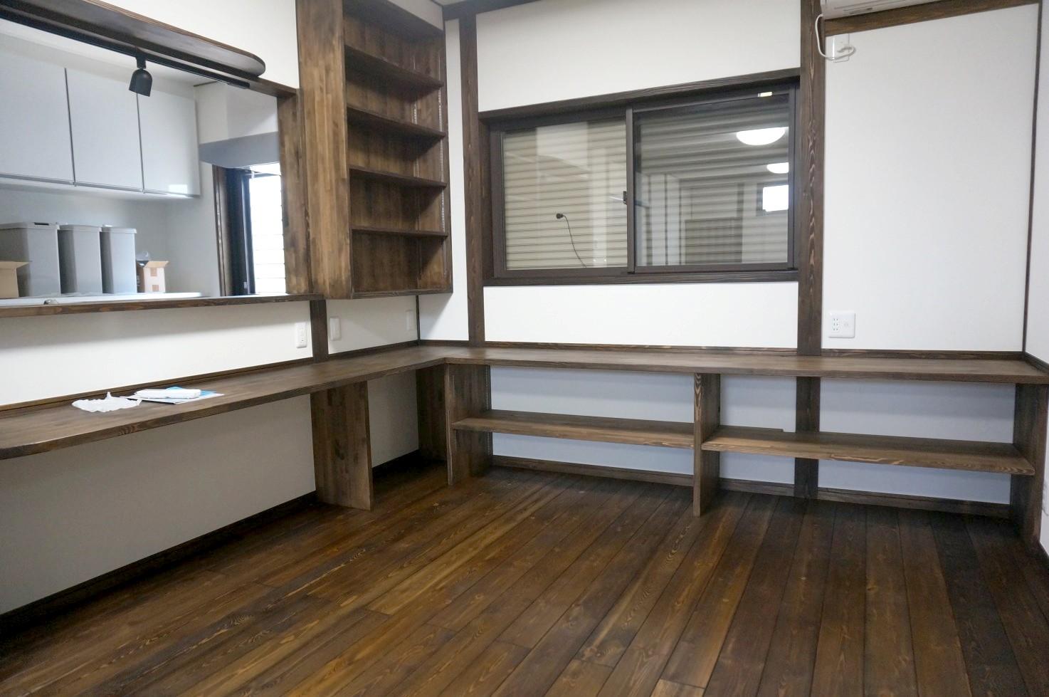 対面キッチンのカウンターを伸ばしてテレワークスペースを 入間市事例