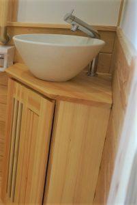 玄関ホールの手洗い器