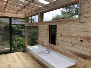 ガーデンルームの洗面化粧台