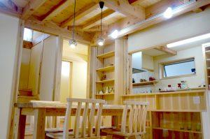 狭山市で建てたひろーいパントリーのある無垢の家