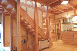 所沢市で建てた無垢の家「スケルトン階段あるの家」