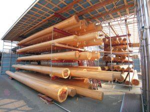杉の磨き丸太はオプションで使用できます