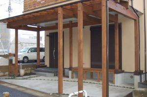 オシャレな木製カーポート屋根